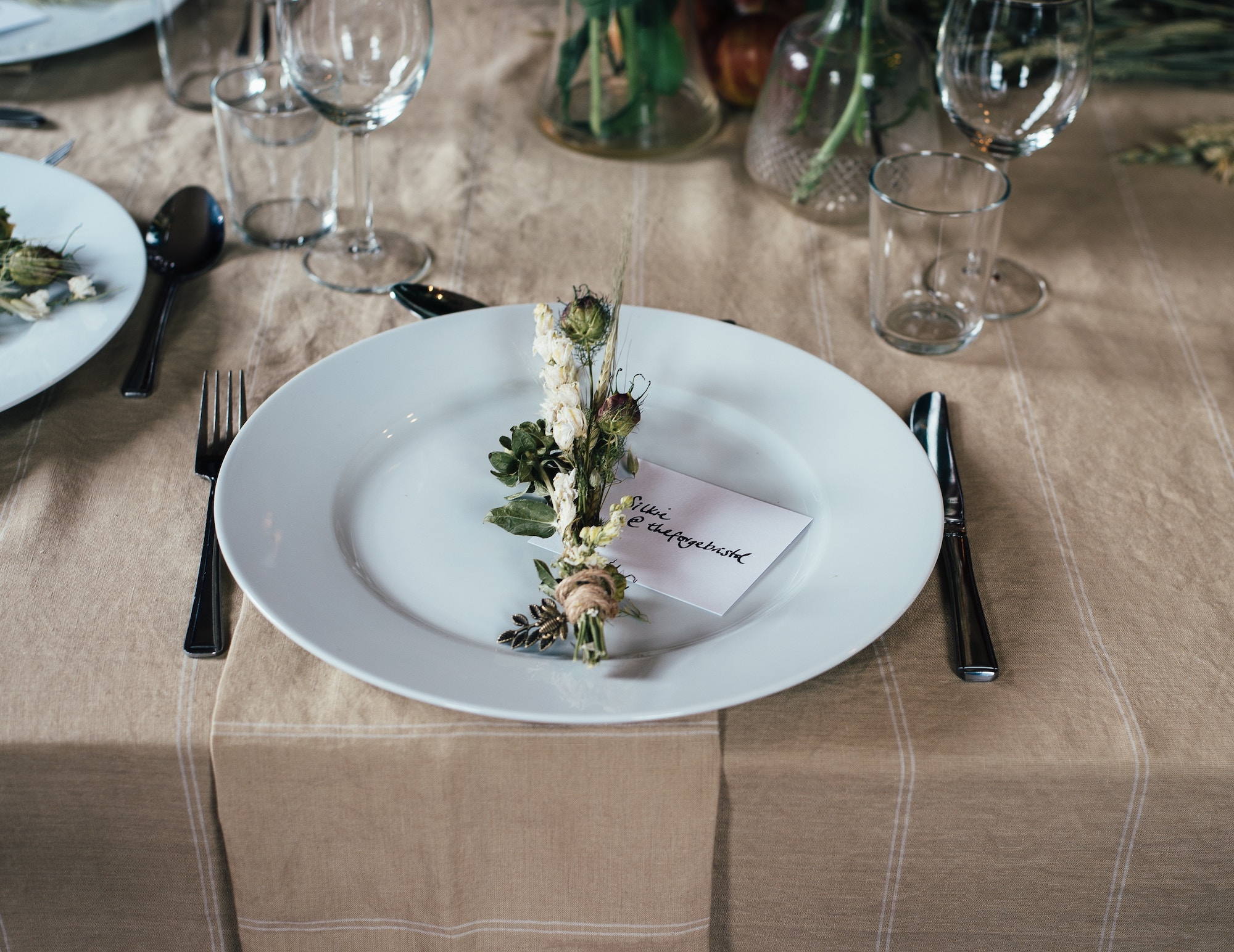 Fantastic Should You Rent Or Buy Linens For Your Event Loanables Download Free Architecture Designs Embacsunscenecom