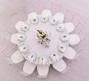 10 person gala table