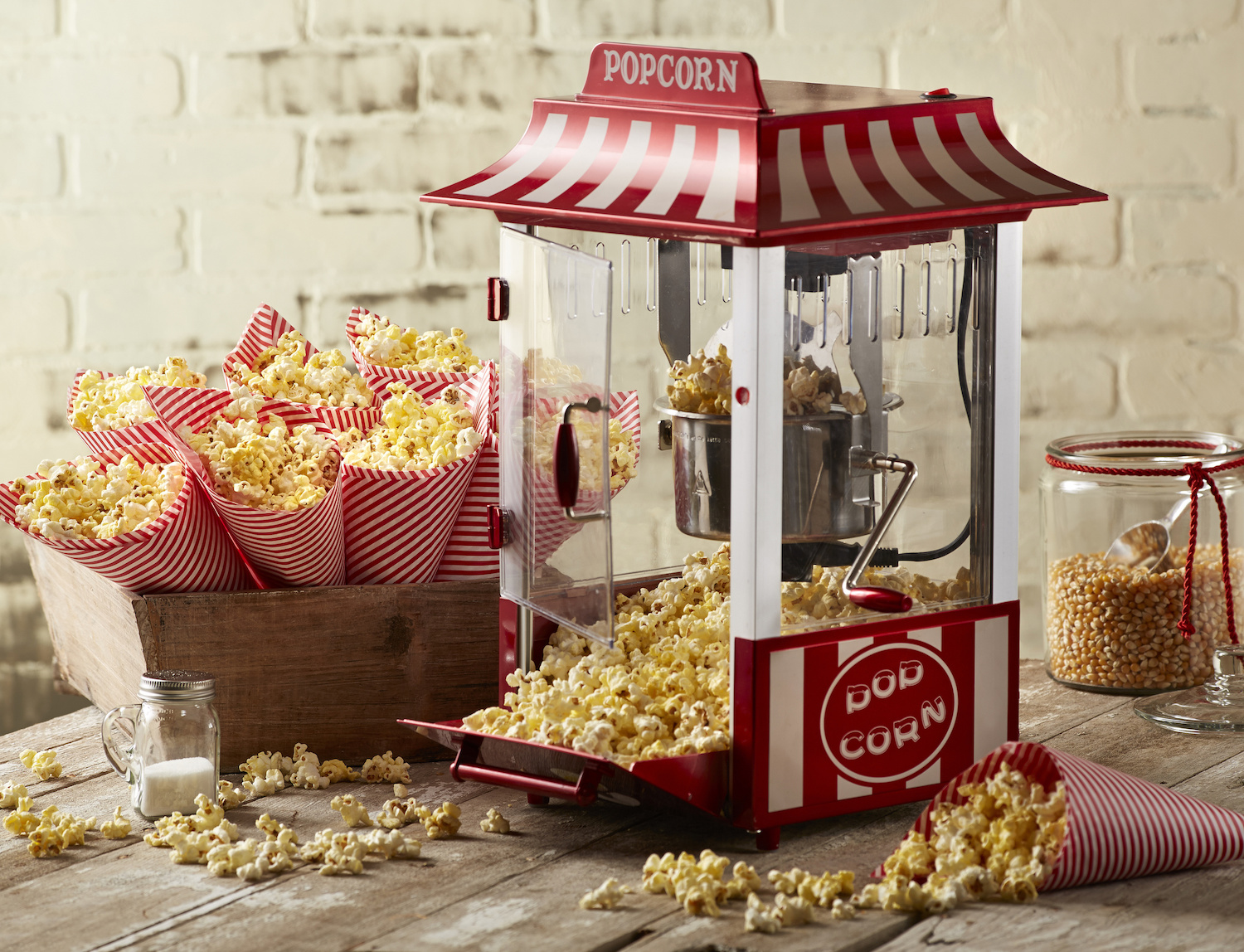 How To Use a Popcorn Machine